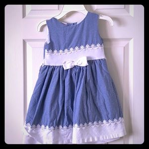 Little girl's party dress